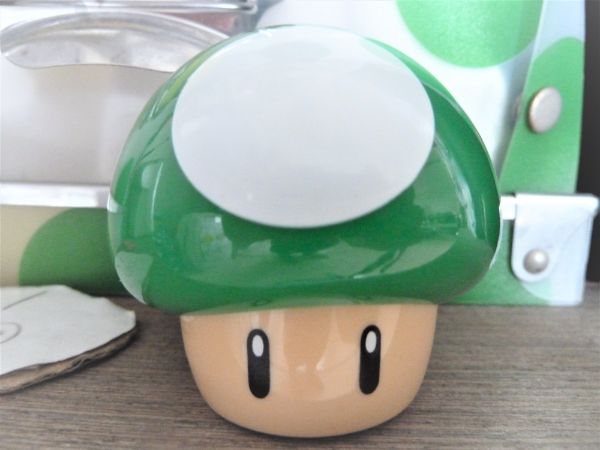 マリオのアイテム「1UPキノコ」の玩具